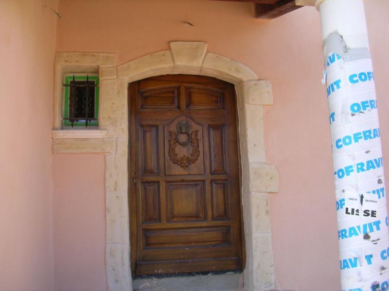 Encadrement en pierre pour fen tres et portes marseille et aix en provence - Encadrement de porte en pierre de parement ...